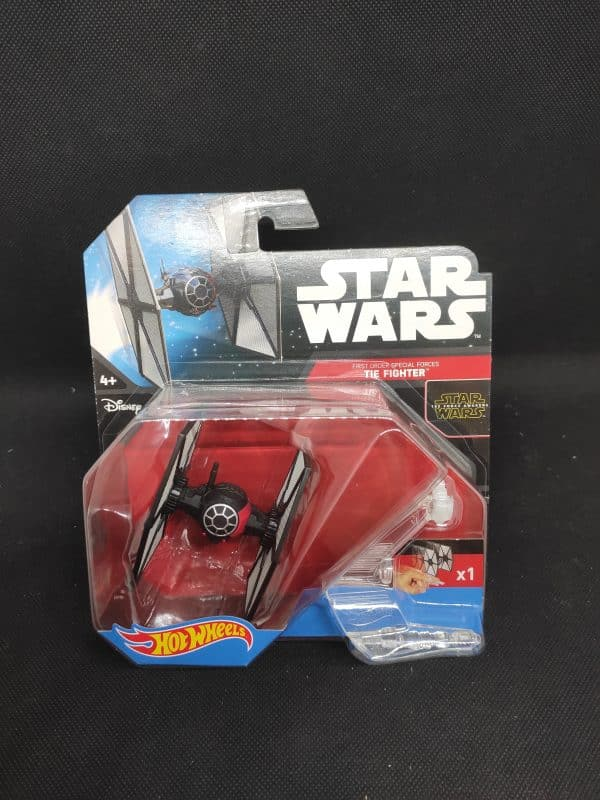 Hot Wheels Star Wars The Fighter scaled